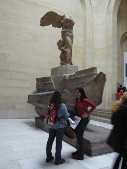O Louvre, a Vitória e nóis